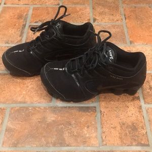 Nike Shoes - Nike all black shox